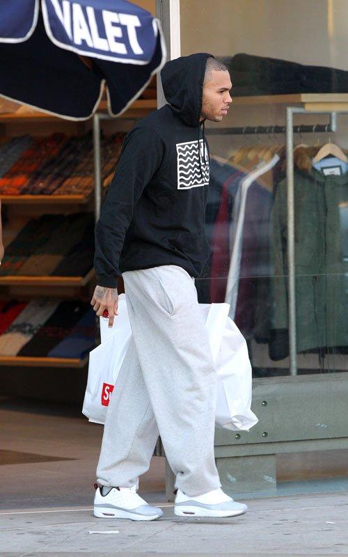low priced 3429b 1a5f1 Shopping & Dining: Chris Brown In Jordan CMFT Viz Air 13 ...