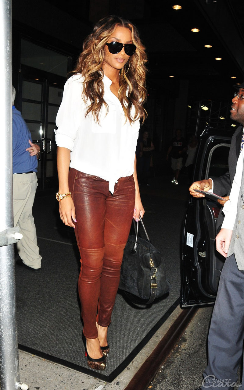 ee2dda3a7b66 ... the talented R B singer Ciara was spotted leaving her New York City  hotel. Ci Ci was styling on them hoes in a  1