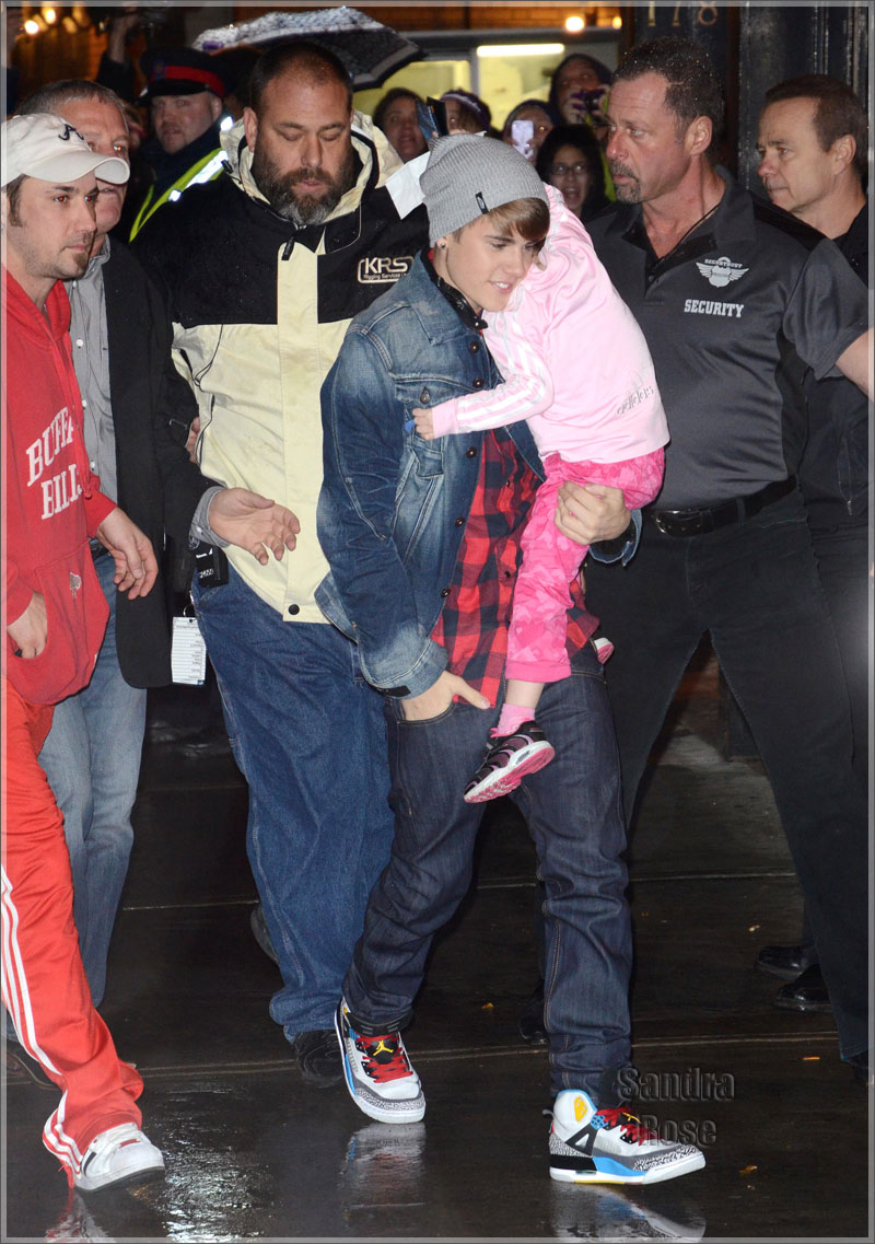 "1830a35fbcbe8 Sneaker Me Dope  Justin Bieber Rocking Air Jordan Spizike ""Bordeauxs ..."