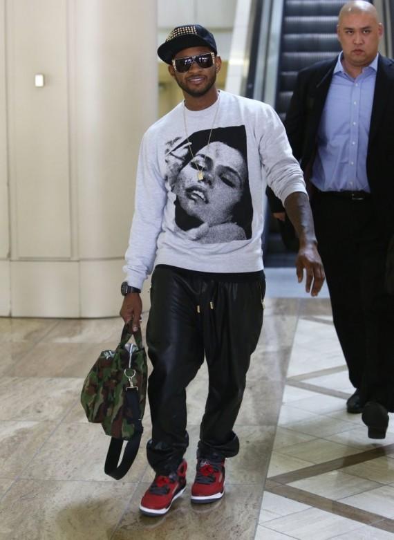 Usher Wearing 1 299 En Noir Leather Pants Amp Air Jordan