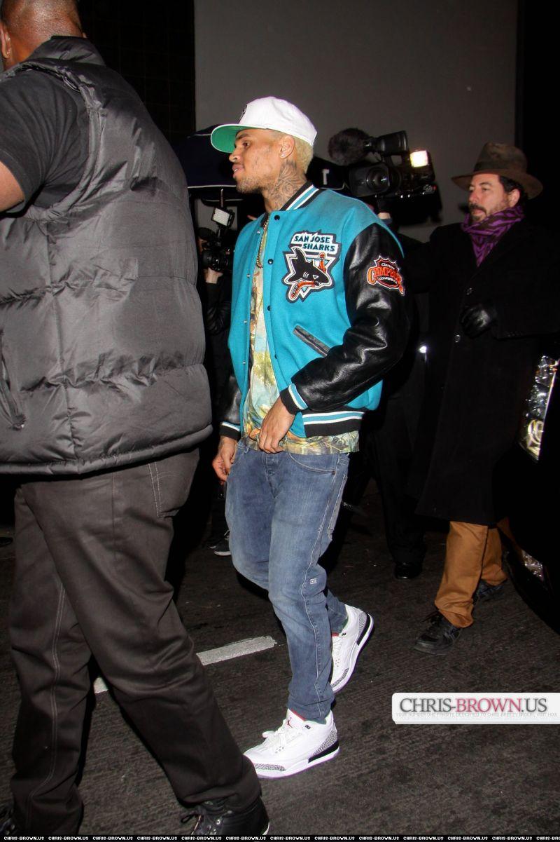 d4b65a325b7e25 Chris Brown Leaving Roxbury Nightclub In A San Jose Sharks Varsity ...