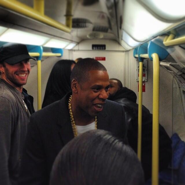 Jay-Z-and-Chris-Martin-Take-the-Subway