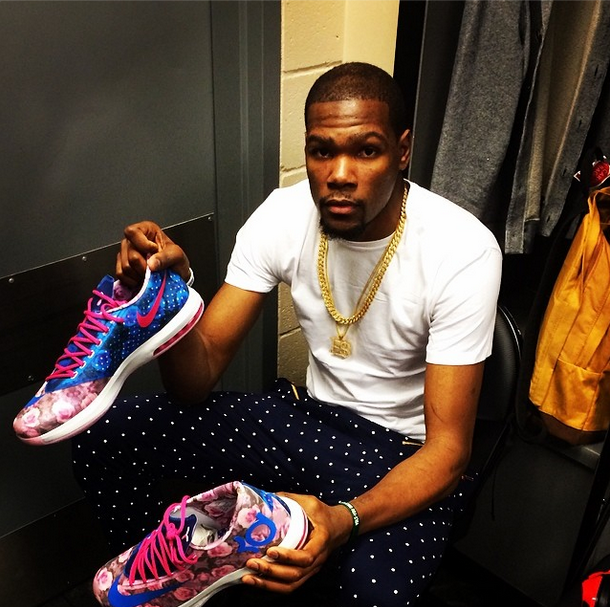 First Look Kevin Durant S Nike Kd Vi Aunt Pearl
