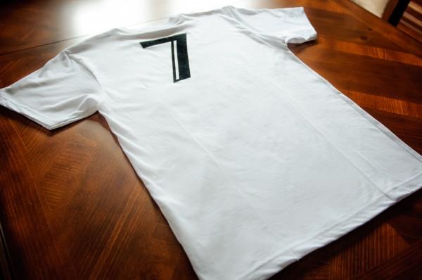 ÀVI~GICHËË Eyes Of Ace T-Shirt Promo Angle 4