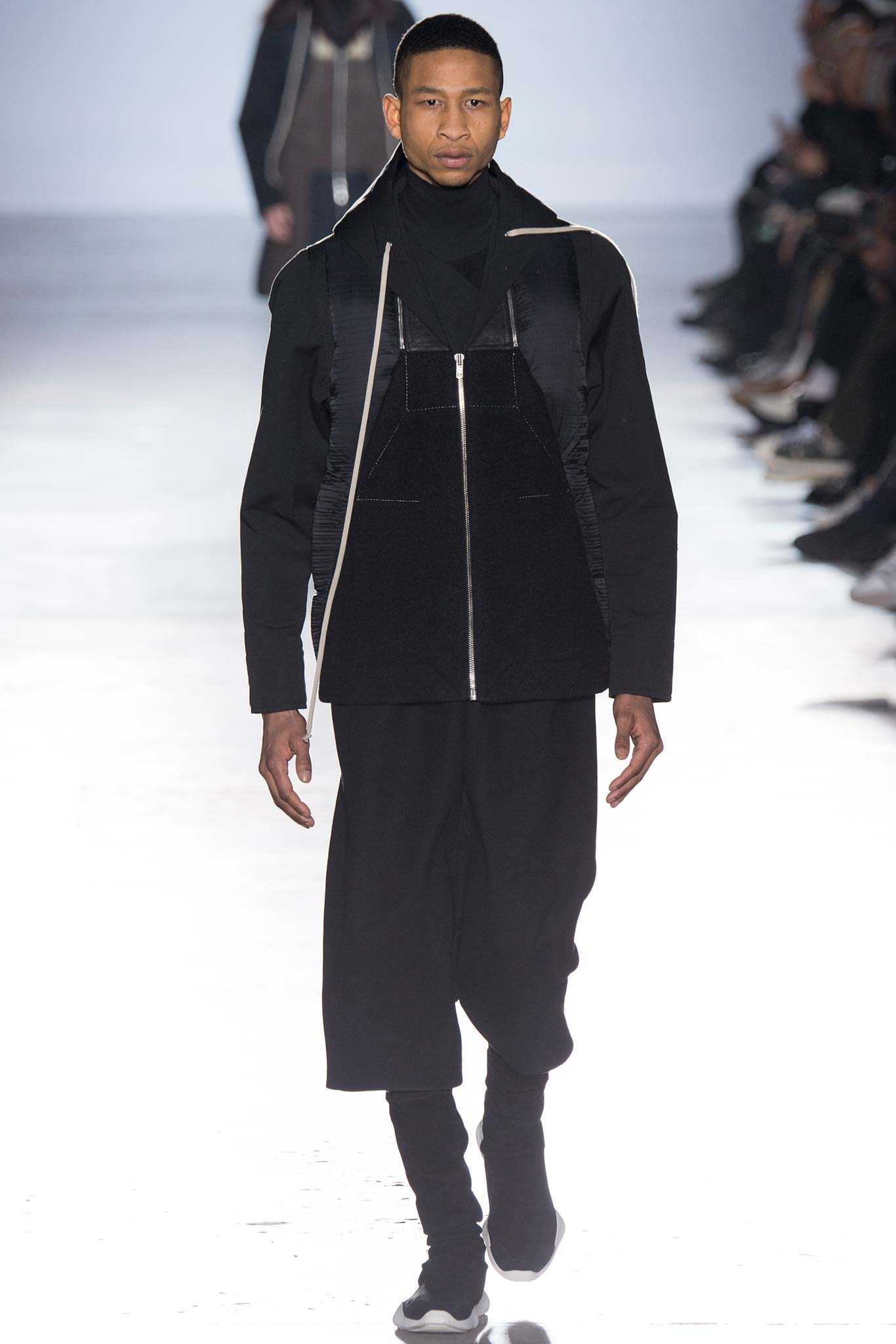Paris fashion week rick owen s fall menswear 2015 for Rick owens milan