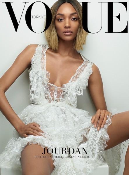 March 2015 issue of Vogue Turkey1