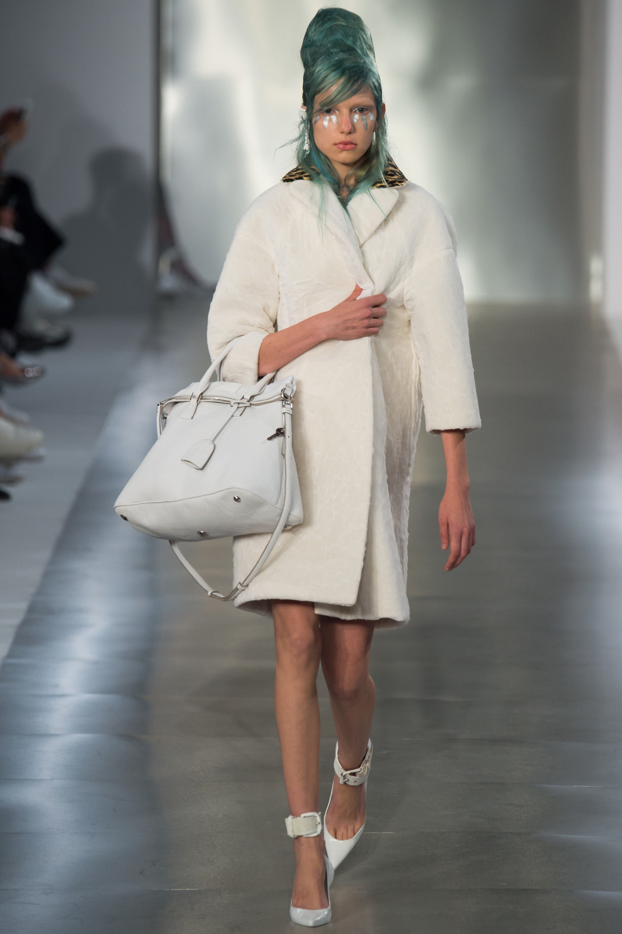 Paris fashion week maison margiela spring 2016 rtw for Fashion maison