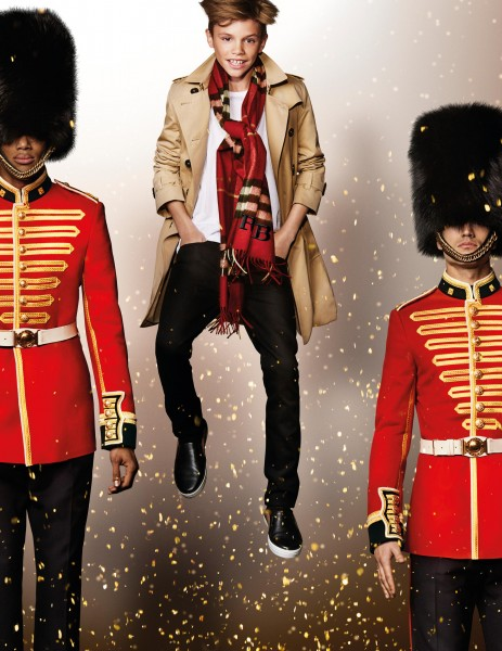 Naomi Campbell For Burberry's Holiday Campaign4