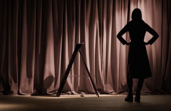 burberry-womenswear-february-2016-show-pre-show-images (1)