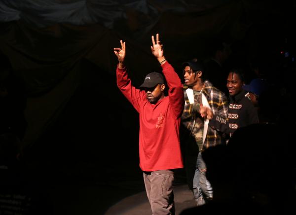 Kanye-West's-Yeezy-Season-3-Show-8-600x437