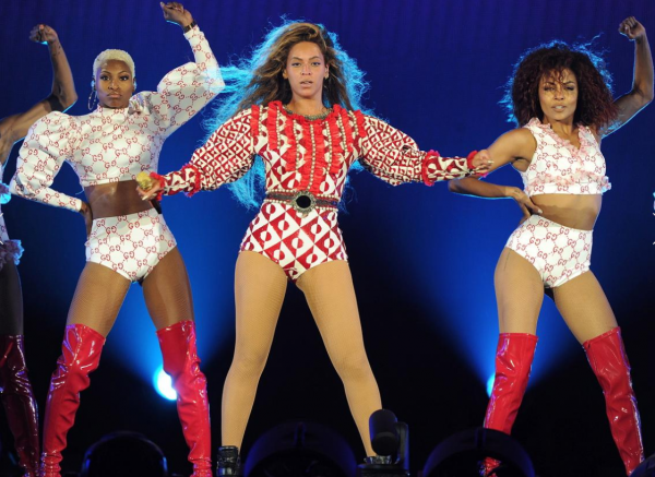 Beyoncé Wears Balmain, Roberto Cavalli, DSquared2, Gucci & More During Opening Night Of Her 'Formation' Tour9