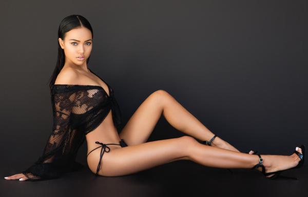 Karrueche Tran Graces Modeliste Magazine4