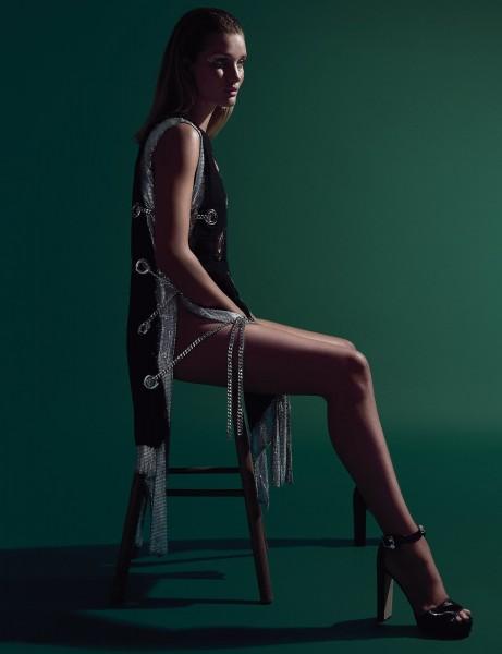 Rosie Huntington-Whiteley Covers Hunger Magazine3