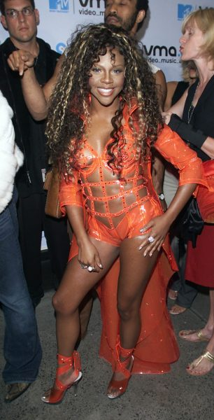 lil-kim-outfit-2